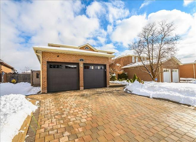 54 Airdrie Dr