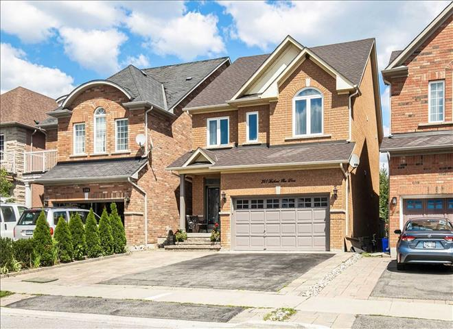 341 Bathurst Glen Dr E