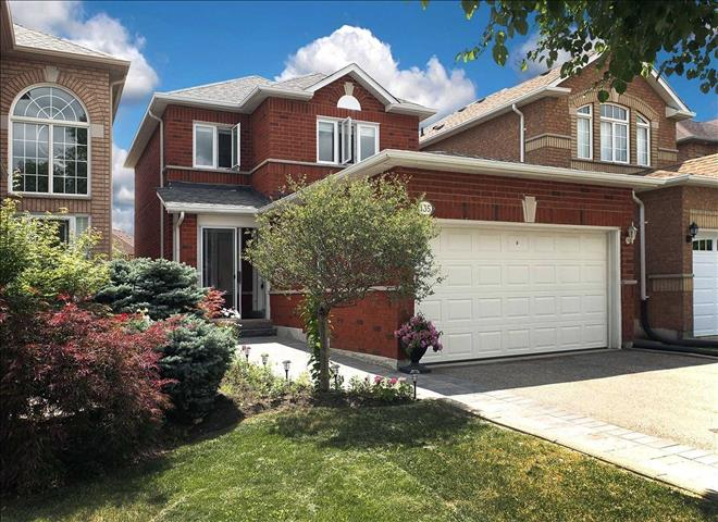 135 Royal Ridge Cres